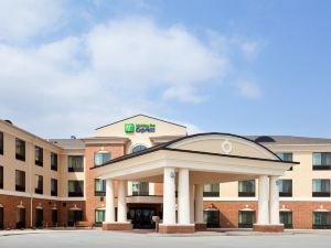 Holiday Inn Express Hotel & Suites Peru Lasalle Area