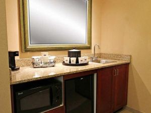 Hampton Inn and Suites Hopkinsville, KY