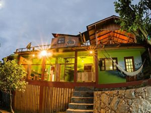 Sunset Strip Eco Hostel