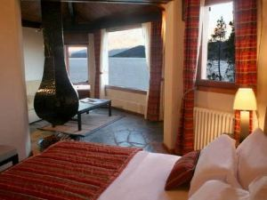 La Sirenuse Lake Suites