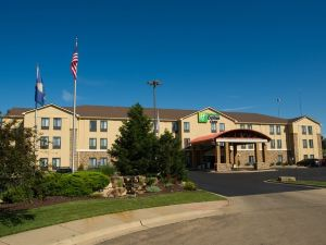 Holiday Inn Express Hotel & Suites Topeka