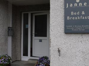 Jannel Bed & Breakfast
