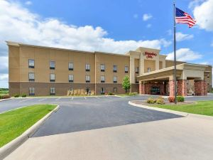 햄프턴 인 머스커틴 (Hampton Inn Muscatine, IA - US 61 & University Ave)