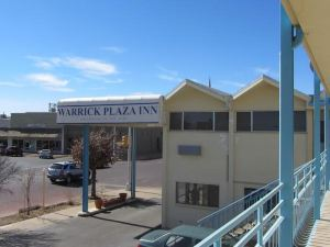 Warrick Plaza Inn