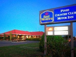 베스트 웨스턴 파인스 컨트리클럽 모터 인(BEST WESTERN Pines Country Club Motor Inn)