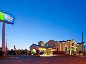 홀리데이 인 익스프레스 호텔 & 스위트 밀튼 이스트 I-10(Holiday Inn Express Hotel & Suites Milton)