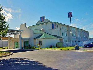모텔 6 세이무어 노스(Motel 6 Seymour North)