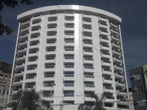 샌디에고 스위트 고베르나도르 발라다리스(San Diego Suites Governador Valadares)