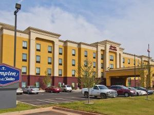 Hampton Inn & Suites Elk City