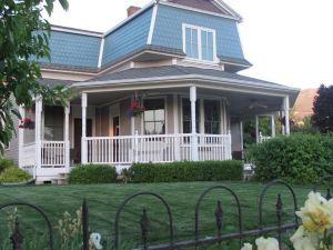 The Iron Gate Inn & Winery