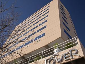 타워 인 & 스위트(Hotel Tower Inn & Suites)
