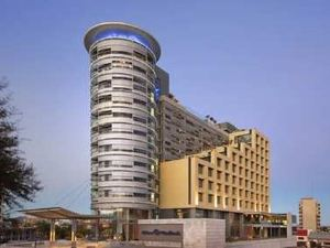 힐튼 윈드호에크 호텔 (Hilton Windhoek)