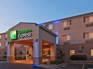 Holiday Inn Express Tulsa Woodland Hills
