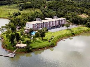 Flats Residencial Pontal do Lago