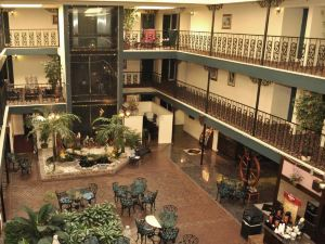 BEST WESTERN Chateau Louisianne Suite Hotel