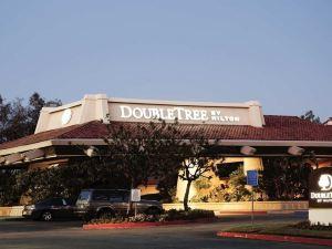 더블트리 바이 힐튼 베이커스필드 (Doubletree Hotel Bakersfield)