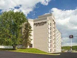 Doubletree Pittsburgh-Meadow Lands