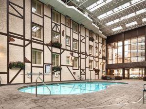 베스트웨스턴 플러스 더 노르망디 인 앤 스위트 (BEST WESTERN PLUS The Normandy Inn & Suites)