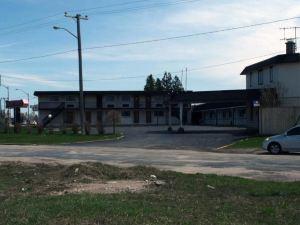 Fairway Inn & Suites