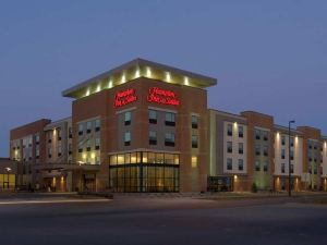 Hampton Inn and Suites Omaha/Dowtown, NE