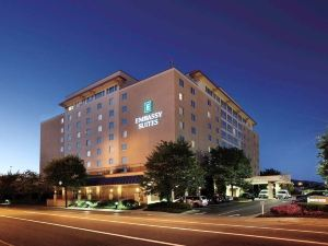 엠버시 스위트 찰스턴 (Embassy Suites Charleston, W.V.)