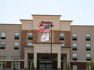 Hampton Inn and Suites Lebanon,  TN
