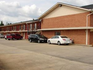 Royal Inn - Anniston