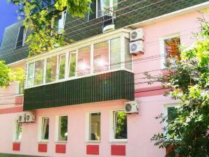 Guest House on Suvorovskyy Spusk