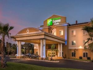 Holiday Inn Express Hotel & Suites RED BLUFF-SOUTH REDDING AREA