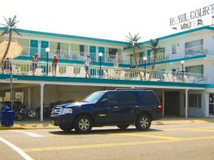 Royal Court Motel