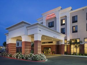 Hampton Inn and Suites Tulare, CA
