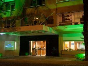 차루아 호텔 (Charrua Hotel)
