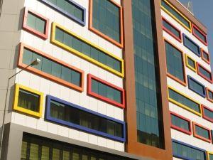호텔 센바이라크 시티 (Hotel Senbayrak City)
