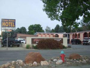 Town House Motor Inn