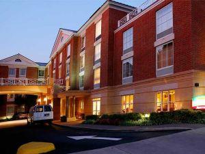 코트야드 바이 메리어트 샬러츠빌 유니버시티 메디컬 센터(Courtyard Charlottesville - University Medical Center)