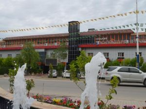 Dawa Hotel and Restaurant