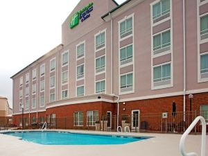 Holiday Inn Express & Suites - Valdosta