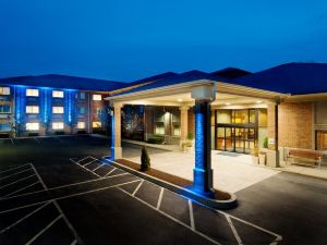 홀리데이 인 익스프레스 & 스위트(Holiday Inn Express Hotel & Suites Smithfield Providence)