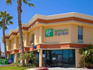 홀리데이 인 익스프레스 뉴포트비치(Holiday Inn Express Newport Beach)