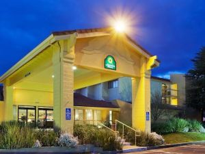 라킨타 인 레딩(La Quinta Inn & Suites Redding)