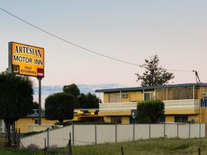 Artesian Motor Inn