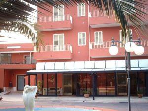 크로디알 호텔(Hotel Ristorante Cordial)
