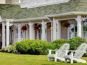 The Loyalist Country Inn A Lakeview Resort