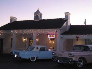 White Columns Motel
