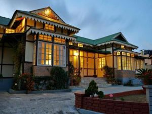 Cafe Shillong Bed and Breakfast