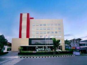 그랜드 주리 패당 호텔 (Grand Zuri Hotel Padang)