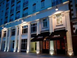 라마다 앙코르 벨파스트 시티 센터 호텔 (Ramada Encore Belfast City Centre)
