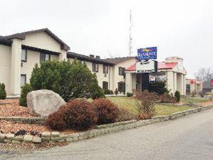 베이몬트 인 & 스위트 워케샤(Baymont Inn & Suites - Waukesha)