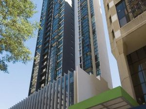 Oaks Charlotte Towers Brisbane