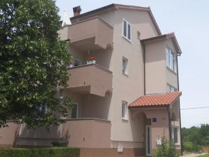 Apartments Roncevic